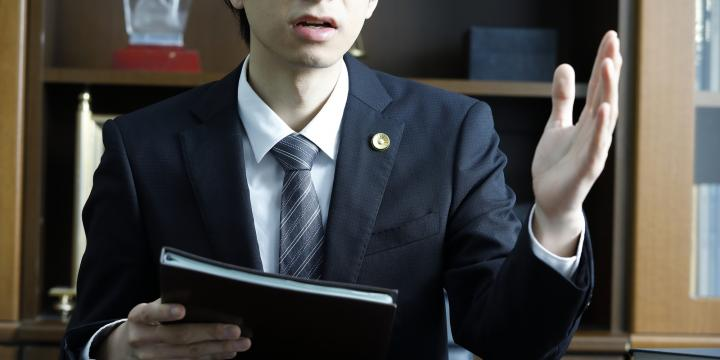 遺産相続の手続きを弁護士に依頼するメリットと費用の目安