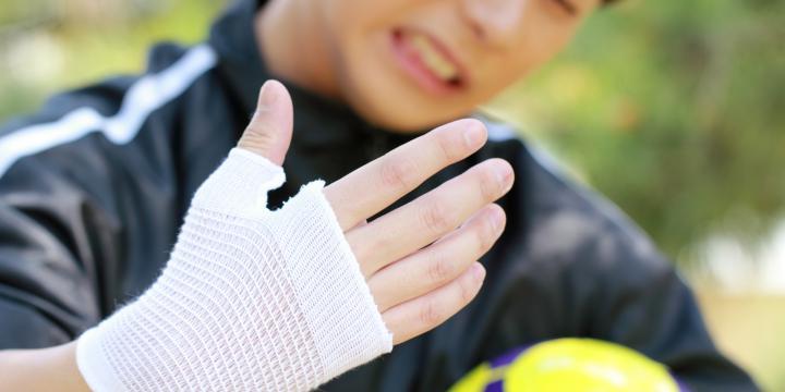 傷病手当金とはl業務外の病気やケガで休職する場合に受けられる公的な補償を解説