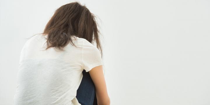 自殺関与罪とは 犯罪が成立するポイントと刑罰の内容を解説