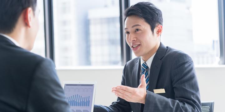 【人事労務担当者向け】従業員に退職を勧めるときの注意点と違法な退職勧奨の具体例
