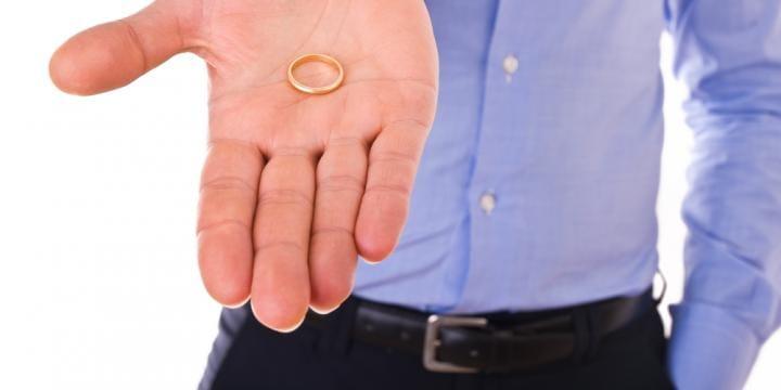 婚約破棄された場合の慰謝料の相場や請求方法