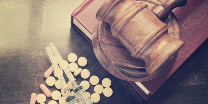 麻薬及び向精神薬取締法違反による逮捕と懲役までの流れ