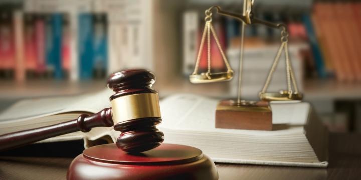 強盗罪で逮捕された場合の流れと懲役刑の刑期や執行猶予の付与について