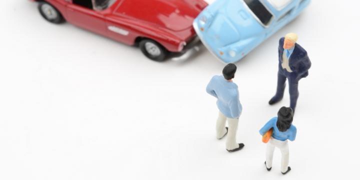 【交通事故】警察で物損事故から人身事故に切り替える手続きの流れと注意点