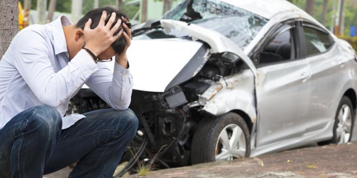 事故で車が「全損」に…時価額の計算方法と請求できる費目