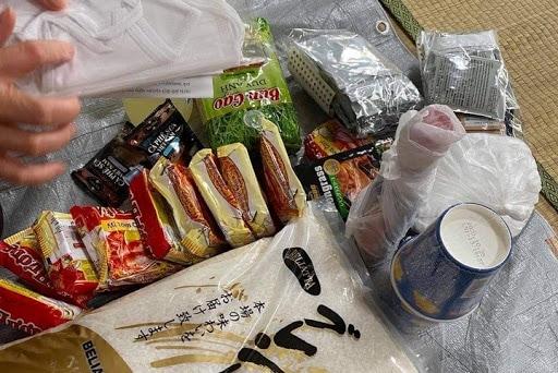 届けられる支援物資(撮影:樋田敦子)