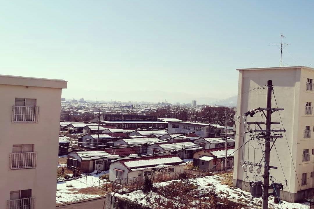 シェアハウスからの眺め(かりぐらしスタートプロジェクトながのFBページから、福祉協議会提供)