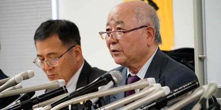 西嶋弁護士(右)