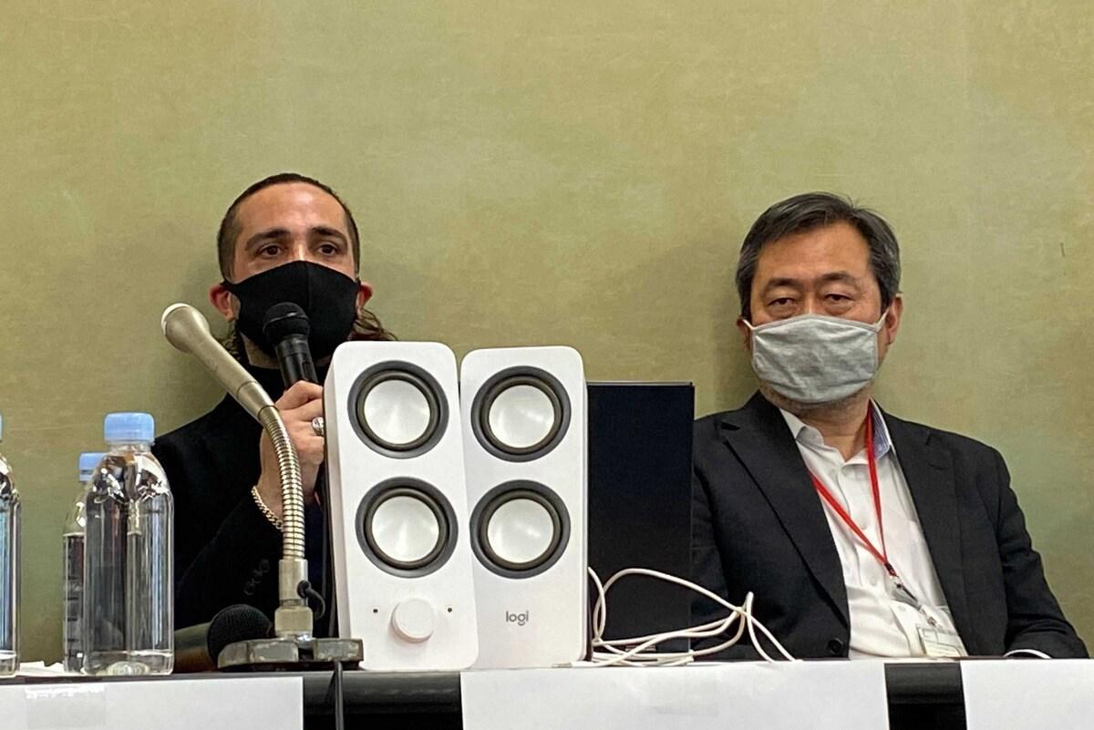 デニズさん(左)と大橋毅弁護士